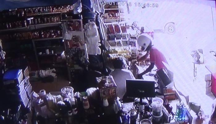 Comerciante travou luta com criminoso (Crédito: Rede Meio Norte)