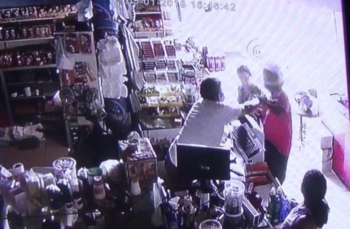 Comerciante reage e toma arma de bandido na zona Norte de Teresina (Crédito: Rede Meio Norte)