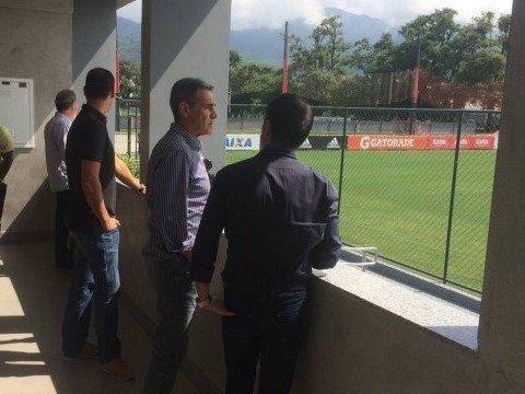 Novo técnico do Flamengo conhece instalações do Ninho do Urubu