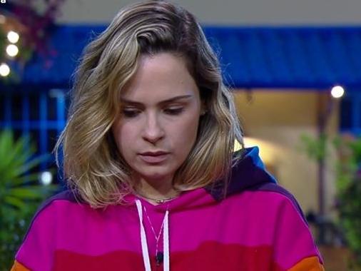 """Ana Paula Renault é eliminada de A Fazenda: """"Que afunde audiência"""""""