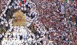 Multidão comparece às ruas de Belém para louvar padroeira no Círio