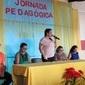 Prefeito e secretária de Educação homenageiam professores