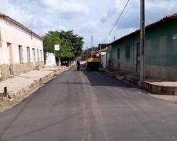 Rua Anísio de Abreu recebe obra de asfaltamento