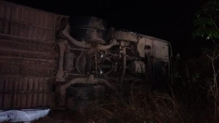 Ônibus envolvido em acidente na BR-316