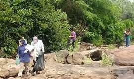 Limpeza das margens e leito do Riachão em Monsenhor Gil
