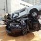 Caminhonete fica sobre carro em colisão com morte em Alagoas