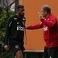 Reinaldo defende Diego Aguirre e divide culpa por má fase