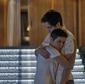 Valentim leva Karola para casa e dá nova chance
