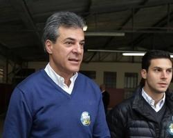 Justiça decreta bloqueio de R$ 27 milhões de Beto Richa