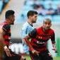 Sport vence Grêmio em duelo de sete gols e respira contra a degola