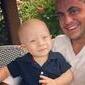 """Thammy posa com bebê e rece elogios: """"Você será um grande pai"""""""