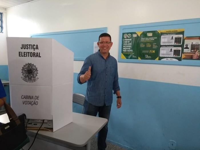 Coronel Marcos Rocha vota em Rondônia (Crédito: Jheniffer Núbia/G1)