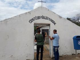 Sec. Mun. Agricultura Instala rede de água em Cemitério
