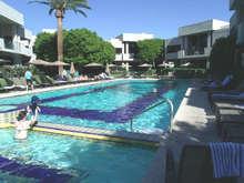 Homem morre um dia após contrair bactéria em piscina de hotel