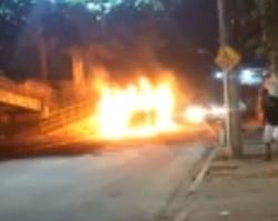 Criminosos ateiam fogo a ônibus cheio no Rio; 15 são hospitalizados