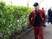 Estiloso, Neymar se apresenta à seleção brasileira em Londres