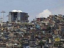 Intenso tiroteio apavora moradores em comunidade do Rio; vídeos