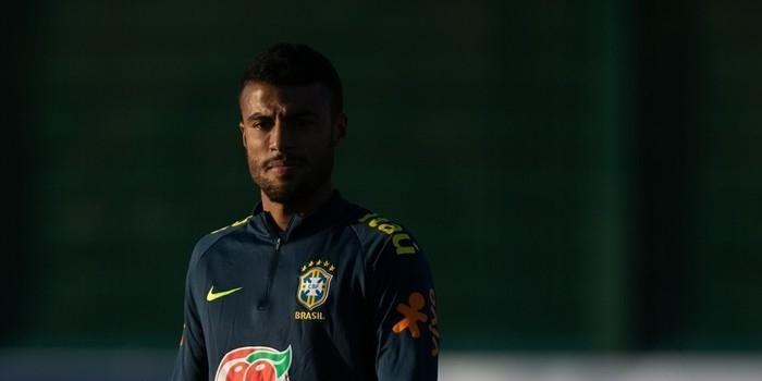 Rafinha herda camisa 11 de Coutinho na Seleção para amistosos 3531324a86522