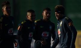 Escanteios de Neymar viram trunfo do Brasil contra zaga do Uruguai