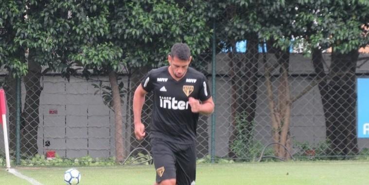 São Paulo x Cruzeiro: Diego Souza aparece, mas é dúvida no domingo