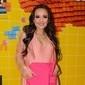 Larissa Manoela anuncia contrato de 3 anos com a Netflix