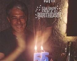 Filha posta foto de festinha de 55 anos de William Bonner