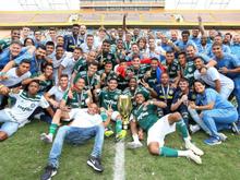 Palmeiras goleia o Corinthians e é bicampeão Paulista sub-20
