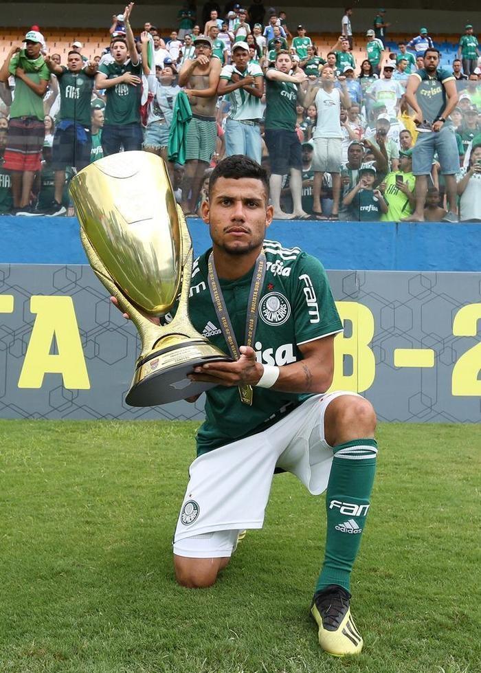 Matheus Rocha é destaque no título de Palmeiras neste domingo