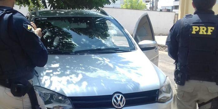PRF recupera em Picos veículo roubado em Salvador