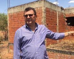 Obras paradas em Picos levam prejuízos e perigos aos moradores
