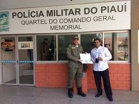 Júnior do Gás é homenageado em solenidade pela Polícia Militar
