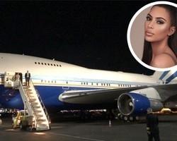 """Kim Kardashian faz voo particular em boeing e brinca: """"Nada demais"""""""