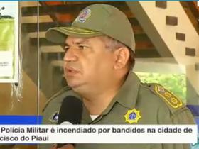 Viatura da Polícia Militar é incendiada por bandidos no Piauí