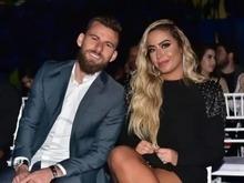 Após ser campeão, Lucas Lima aparece com a irmã de Neymar em evento