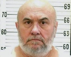 Condenado é executado em cadeira elétrica, seguindo sua vontade