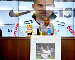 """Sheik """"elege"""" Romero como substituto nas provocações a rivais"""