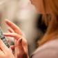 Smartphones: esforço repetitivo pode prejudicar articulações