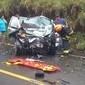 Acidente entre carros mata pai, filho de um ano e ex-vereador em SP