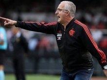 Dorival chega à metade dos jogos pelo Fla considerando voltar Diego