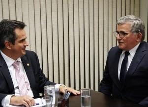 Prefeito busca em Brasília recursos para União