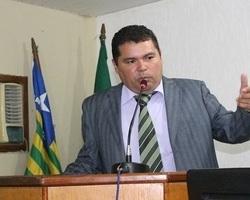 Carlos de Oliveira é eleito por 8X5 como presidente da câmara