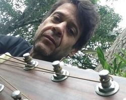 Ex-integrante da banda Yahoo morre em acidente de carro no Rio