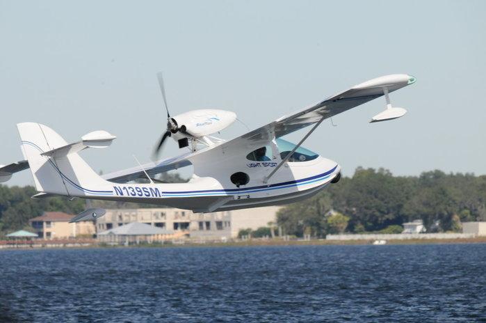 Seamax já produziu 135 aviões do modelo M-22, vendidos para mais de 50 países (Crédito: Divulgação)