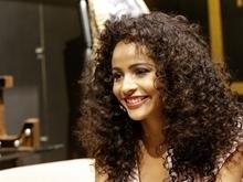 Monalysa Alcântara participa da transmissão do Miss Universo
