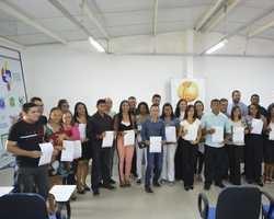 Prefeito de Oeiras nomeia mais 25 aprovados em concurso público
