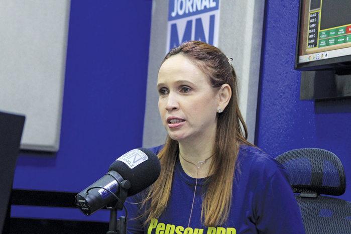 Viviane Moura em entrevista à Radio Jornal Meio Norte ( 90,3)  (Crédito: Raissa Moraes )