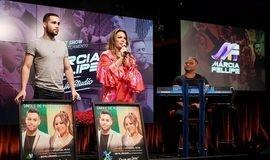 Márcia Fellipe lança novo DVD e recebe disco de platina; assista