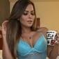Fã encontra foto de Geisy em site de prostitutas e modelo se irrita