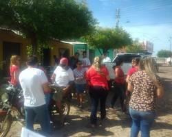 Secretaria de saúde realiza panfletagem no dezembro vermelho
