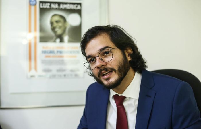 Túlio Gadêlha entra com ação contra Alexandre Frota por xenofobia